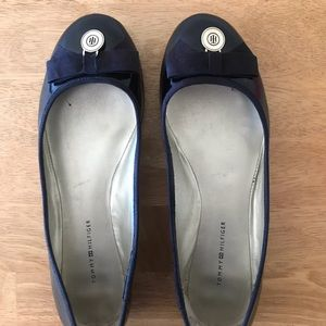 Tommy Hilfiger 8M Black Patent Leather-Look Flats